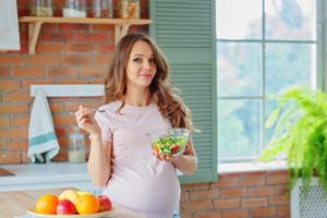 妊娠線対策には塩分控えめの食事がオススメ